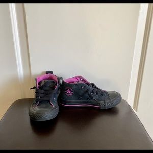 Kid black and pink Converse